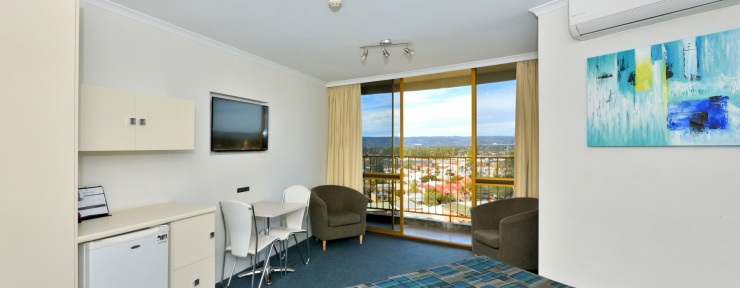 Experience award winning Glenelg motel in Adelaide