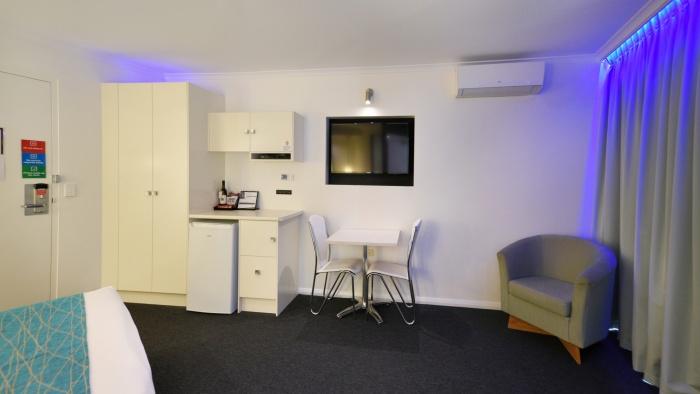 Premium Spa Room Accommodation in Glenelg