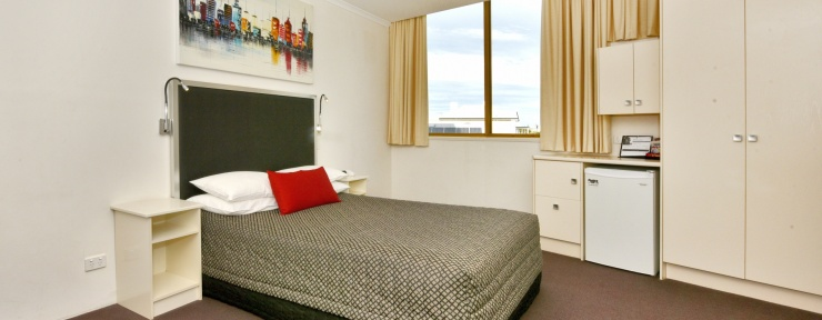Glenelg motel accommodation on a budget